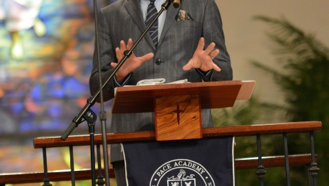 Actor Robert Downey Jr. delivers Pace Academy's 2015 Commencement address