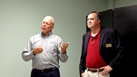 Mayor, city manager present budget to Dunwoody Homeowners Association