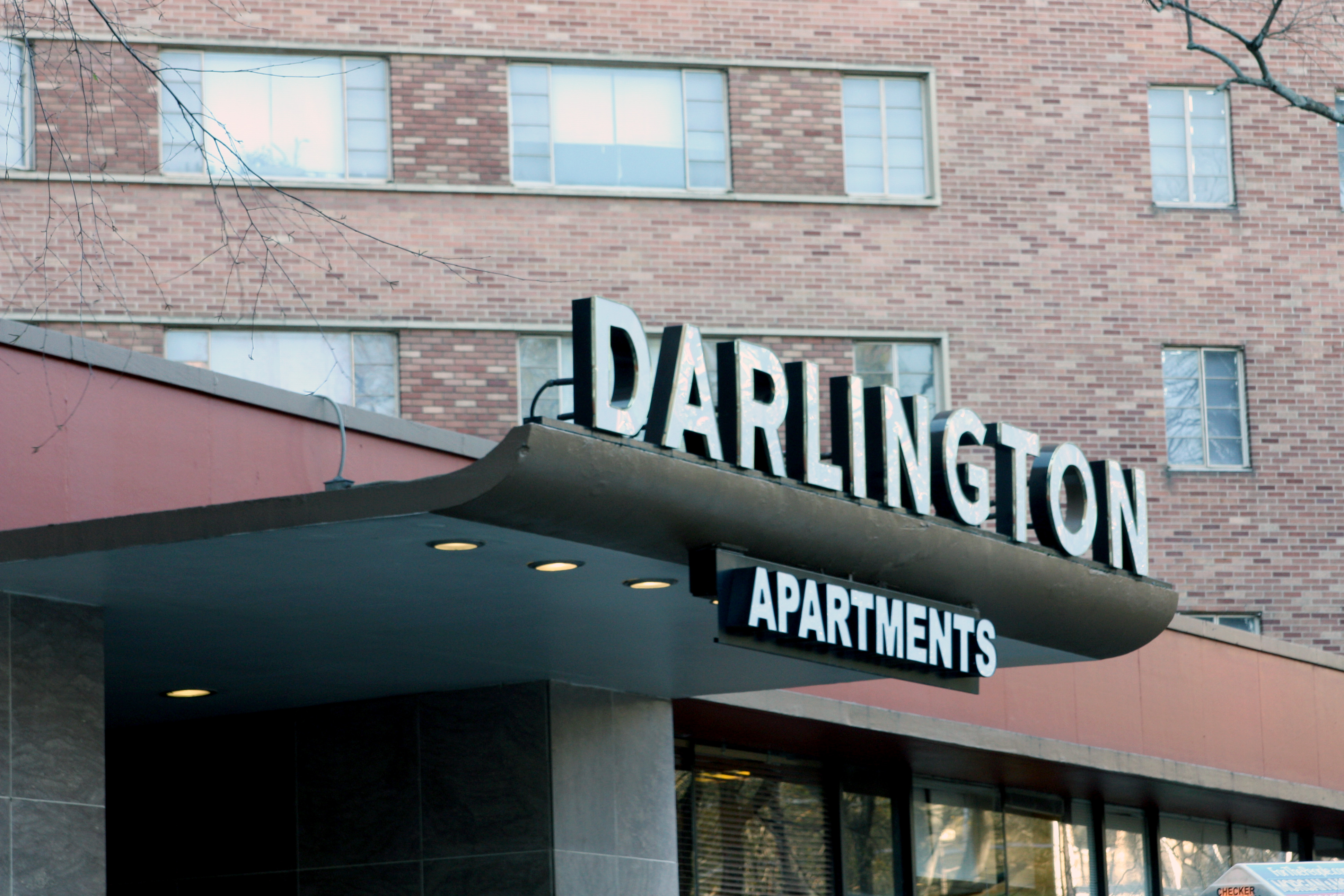 Police Say They Are Often Called To Apartment Building Where Woman Was Shot And Wounded Atlanta Recorded 438 Calls The Darlington
