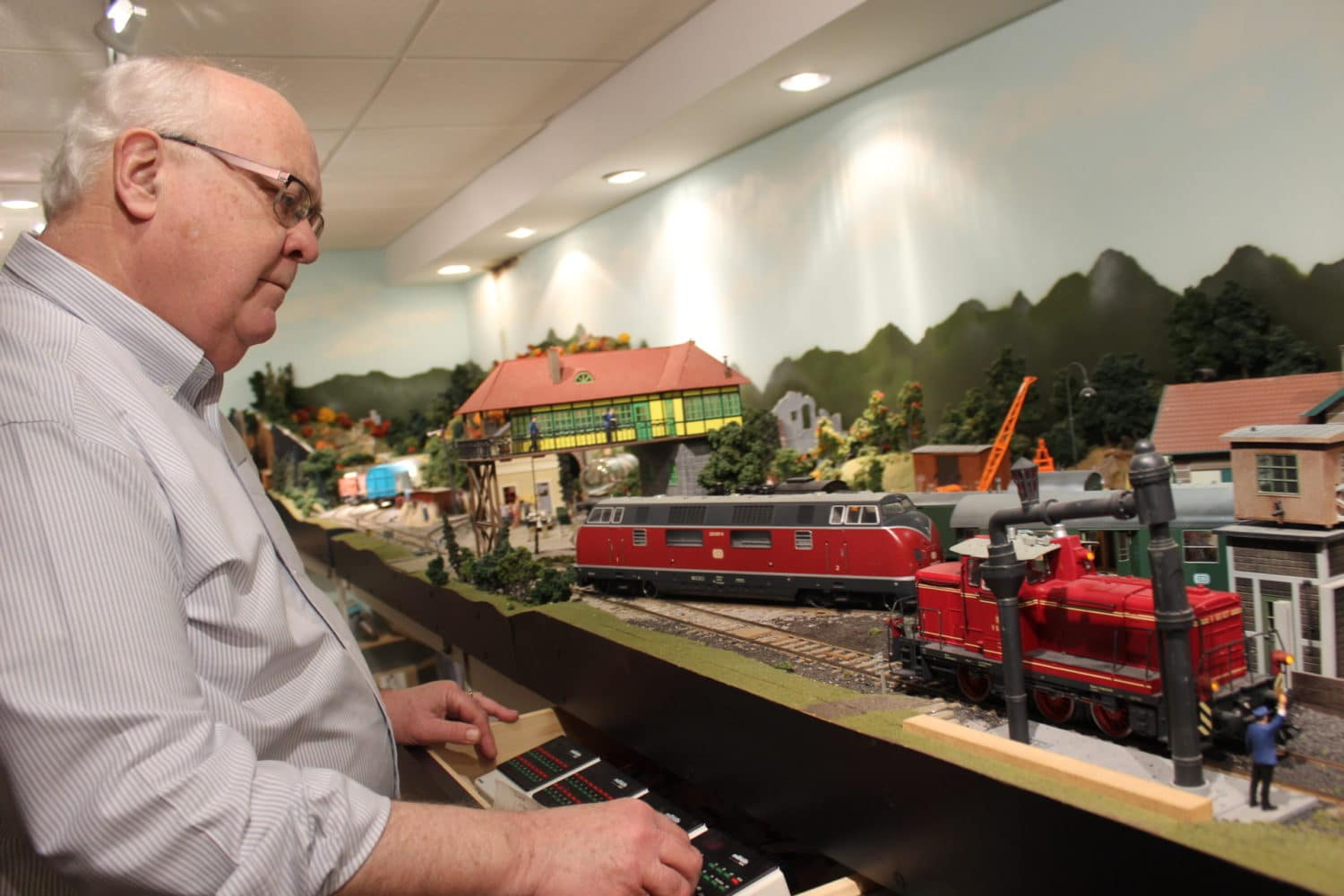 Brookhaven Model Train Enthusiast Shares His Love Of Tiny Worlds Reporter Newspapers